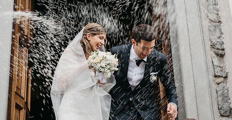 Lanciare riso nei matrimoni, tradizione italiana, perchè si lancia il riso